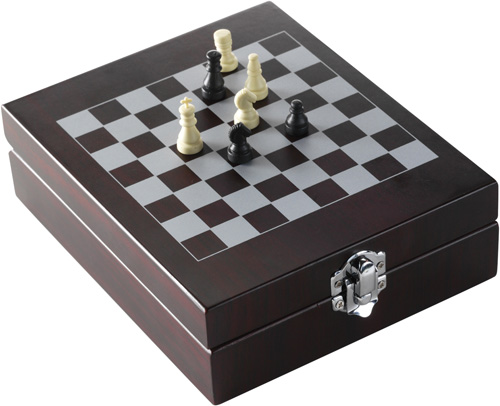 Wine set with chess-game